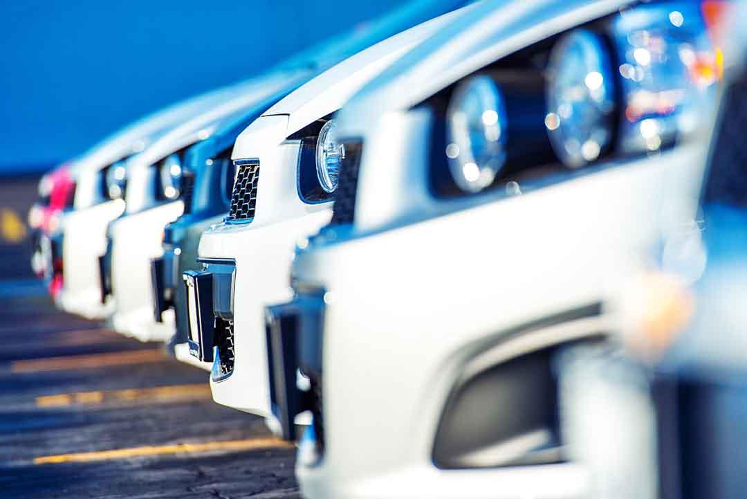 Autohäuser zurück in den Alltag navigieren