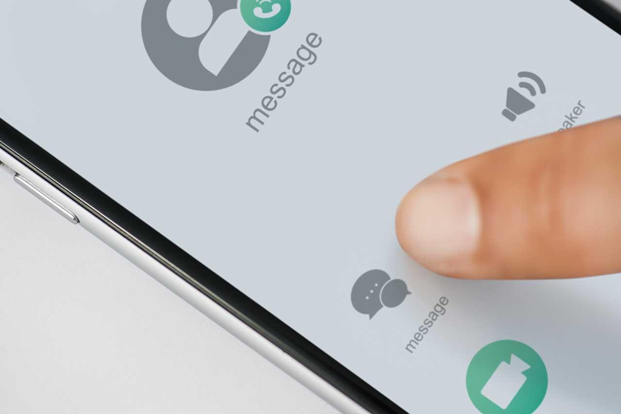 SMS oder WhatsApp?
